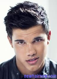 Taylor lautner hairstyles new hair now taylor lautner hairstyles 1 2 urmus Image collections