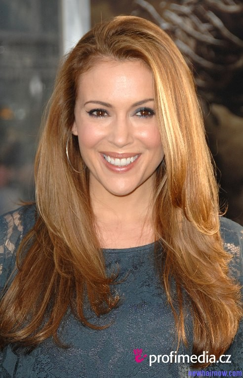 Alyssa Milano Looks Hot And Hairstyles Sexy New Hair Now