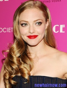amanda-seyfried-blonde-hairstyles