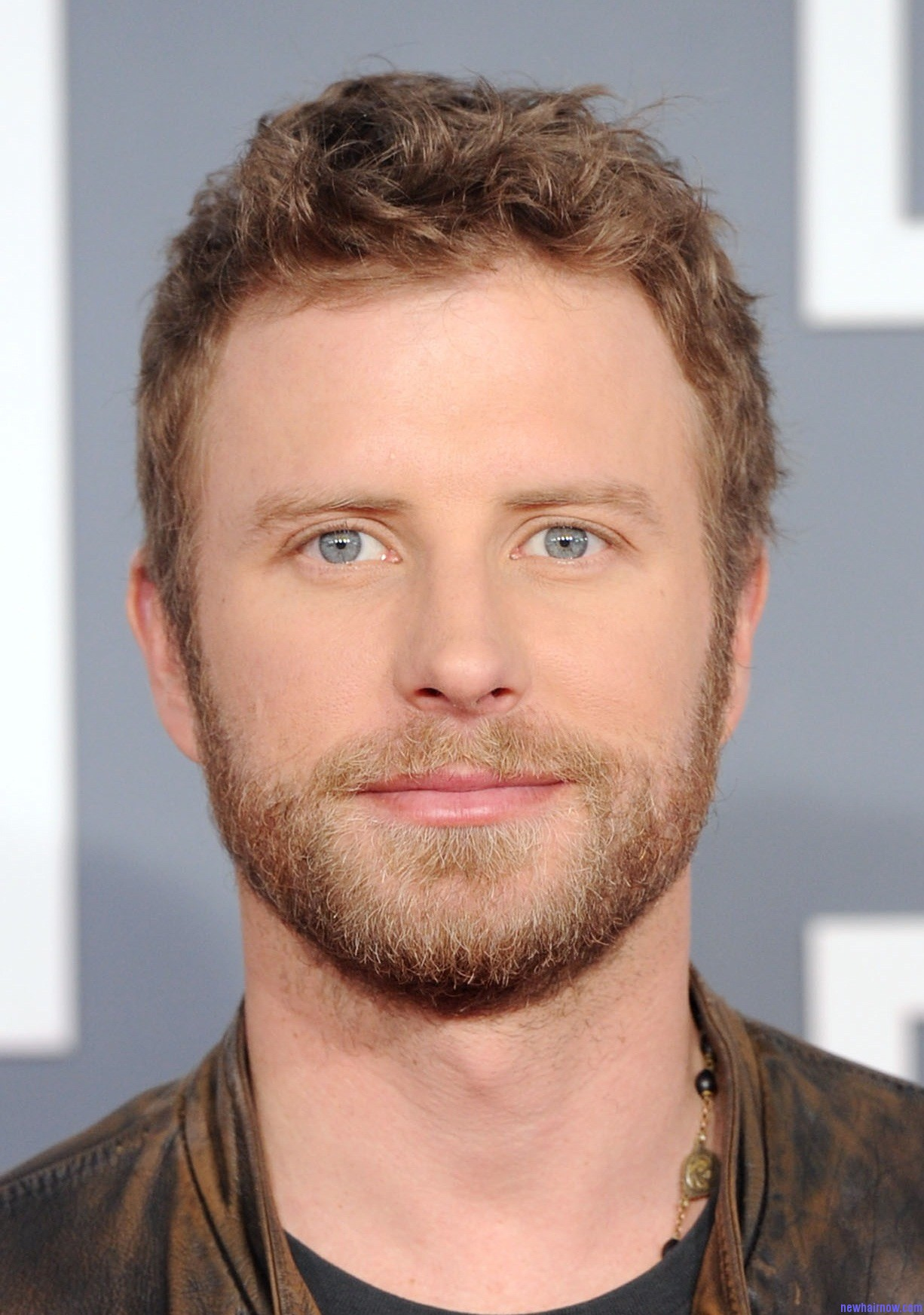 Dierks Bentley Short And Little Curly Hairstyle – New Hair Now